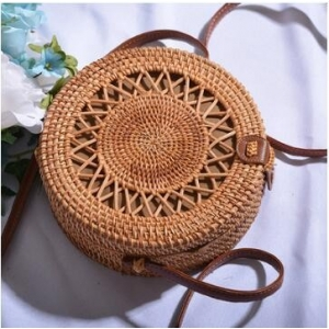 Handwoven Round Rattan Star Plain Center Bag