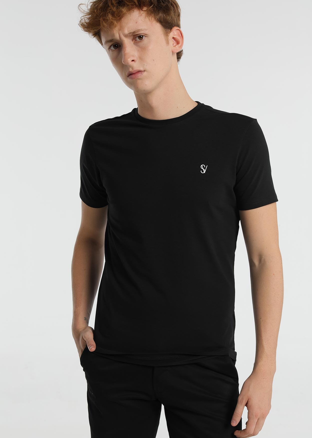 Six Valves Basic TShirt Black Front
