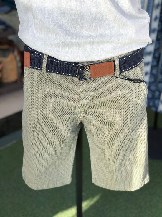 Shorts Caqui Hugo Samuel